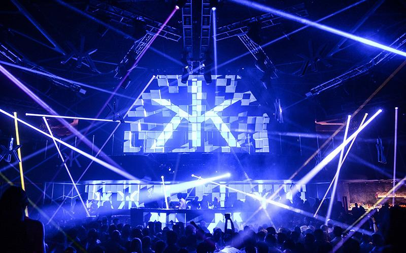Hakkasan Las Vegas Nightclub crowd and DJ booth view.